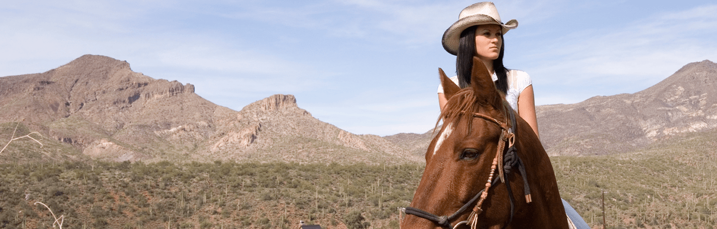 Arizona resort horseback riding in the southwestern desert
