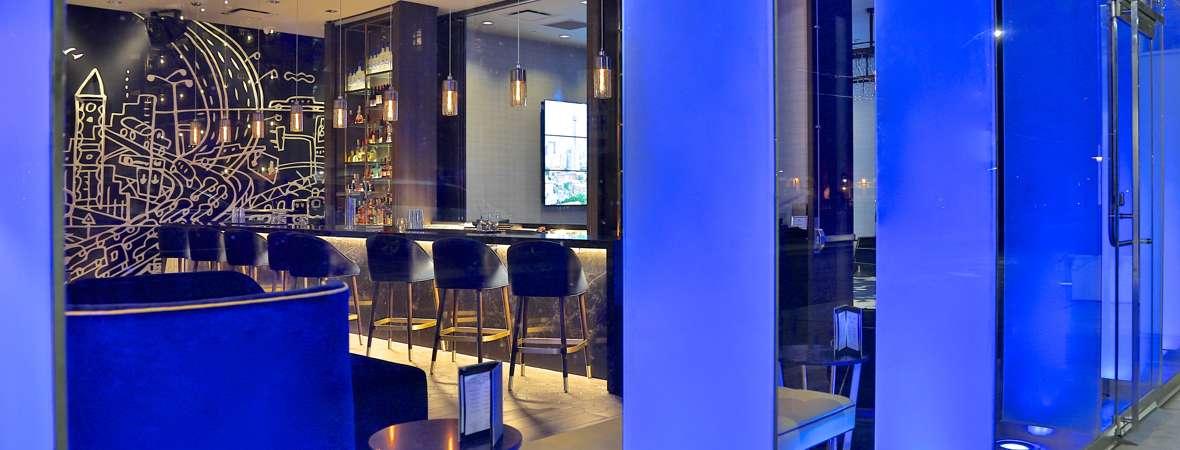 TH Toronto_Lobby Bar_3