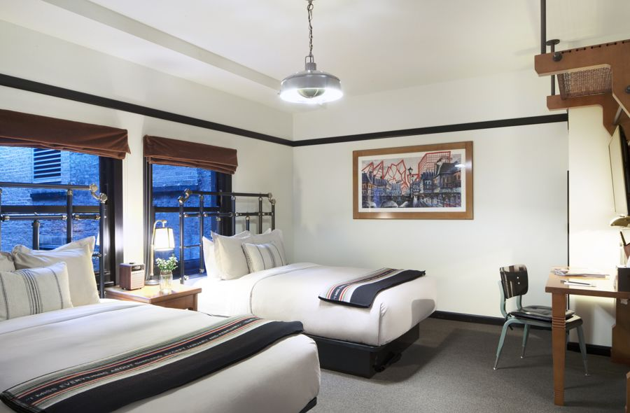 Chicago Athletic Association_Guest Room_914_Double Bed Room