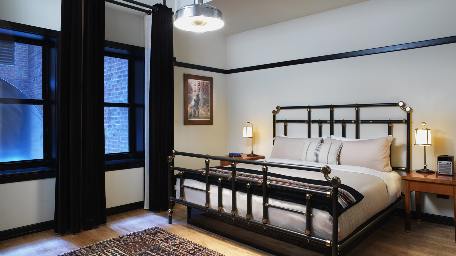 Chicago Athletic Association_Guest Room_Classic King