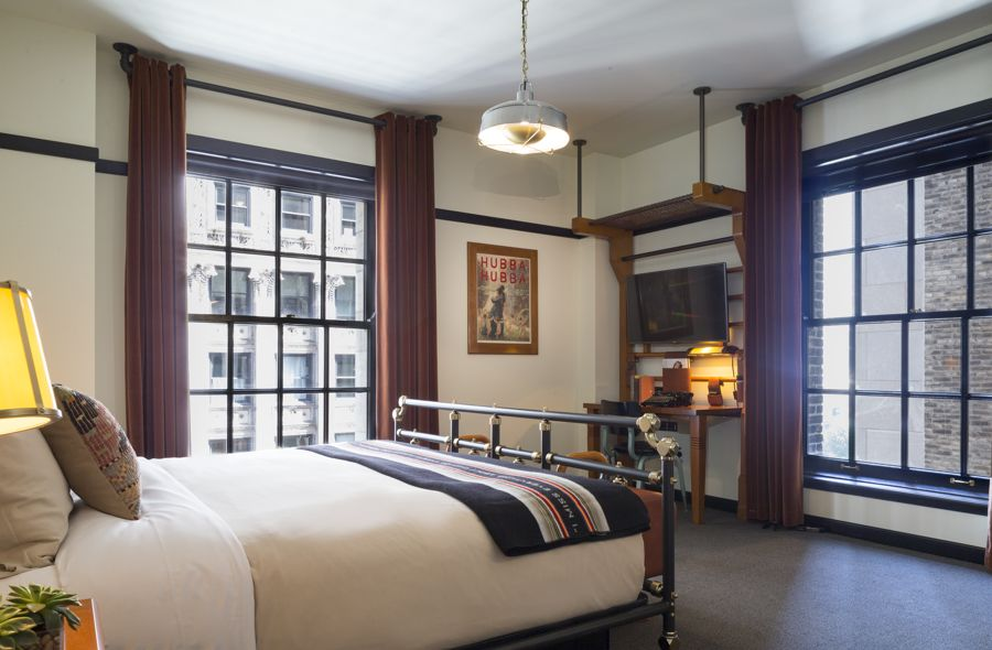 Chicago Athletic Association_Guest Room_Madison Corner King_2_Thomas Shelby