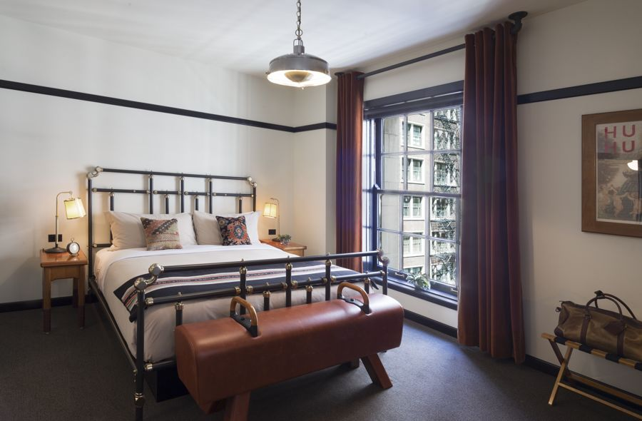 Chicago Athletic Association_Guest Room_Madison Corner King_Thomas Shelby