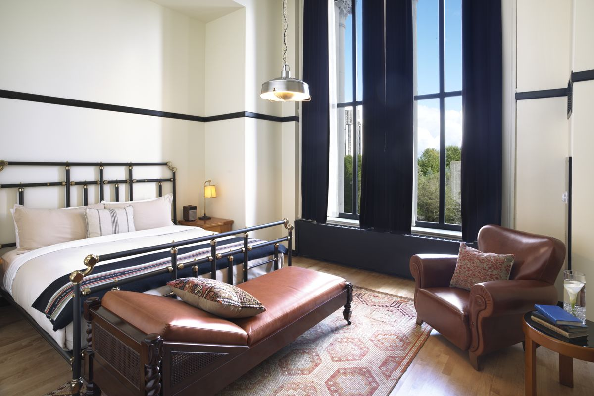 Chicago Athletic Association_Guest Room_Millennium King Suite_427_Front  Bedroom