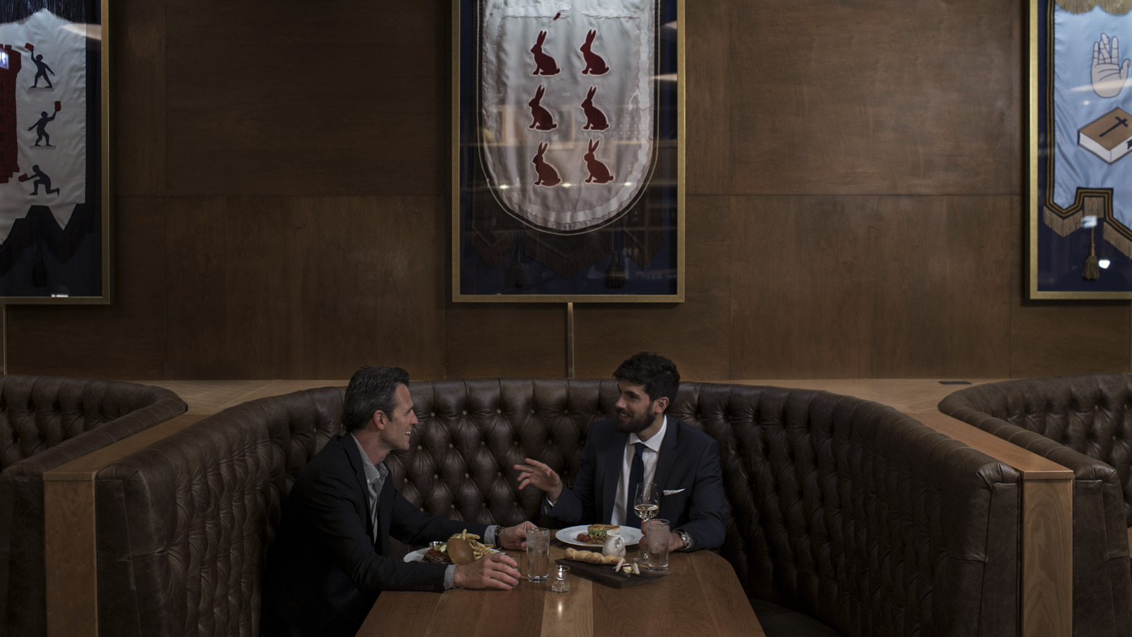 Chicago Athletic Association_Lifestyle_Cherry Room_Booth_Thomas Shelby
