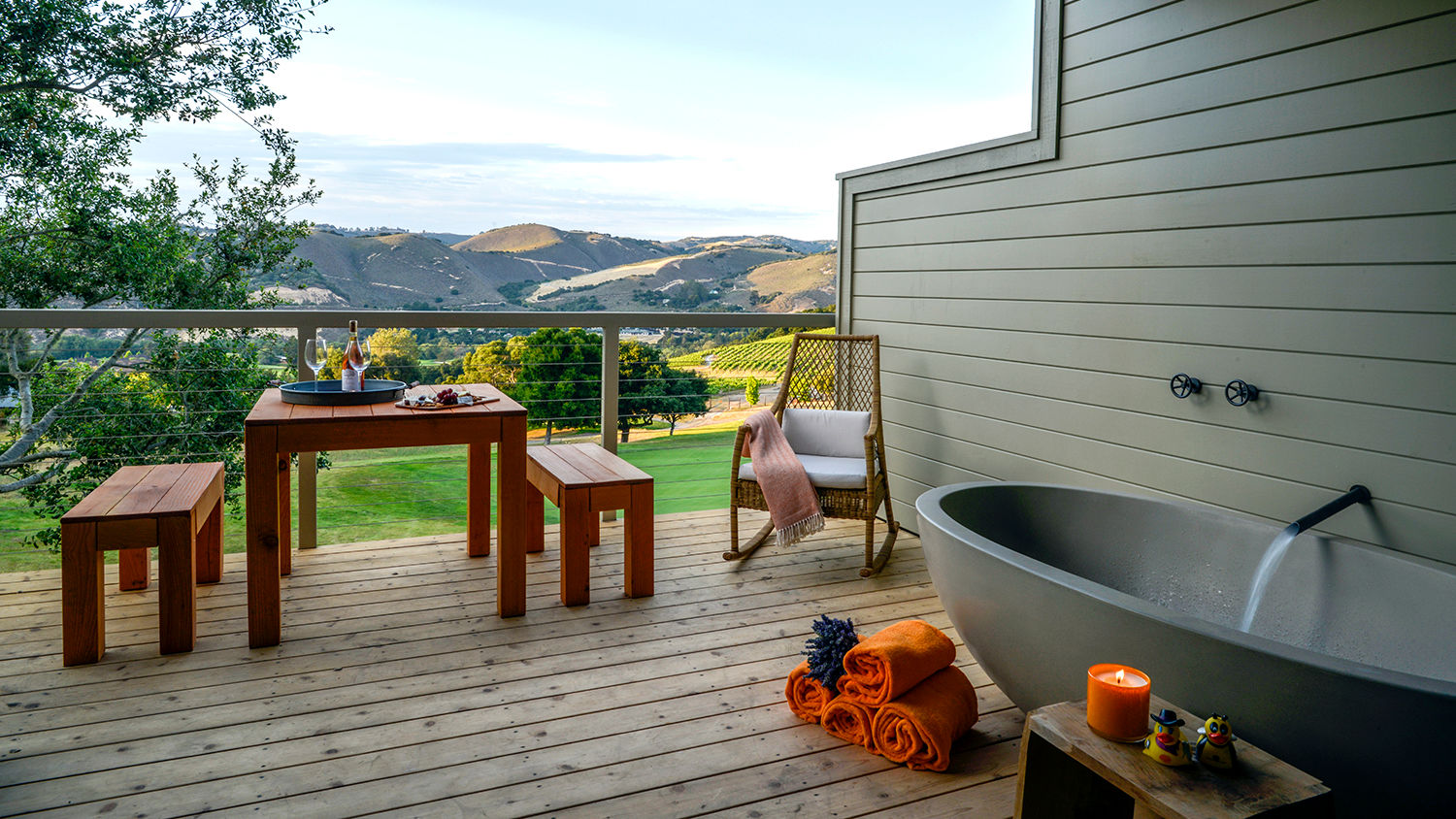 Carmel Valley Ranch_Accommodations_Vineyard Oak Studio_tubdeck
