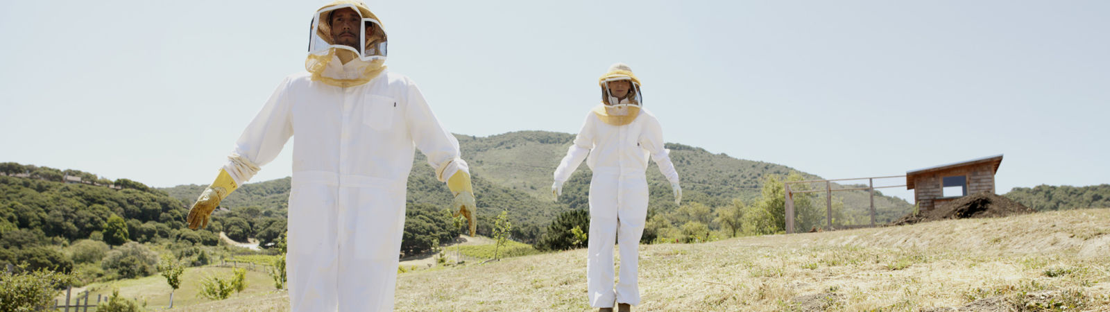 Carmel Valley Ranch_Activities_Bee Experience_Bee Suit_Jumping