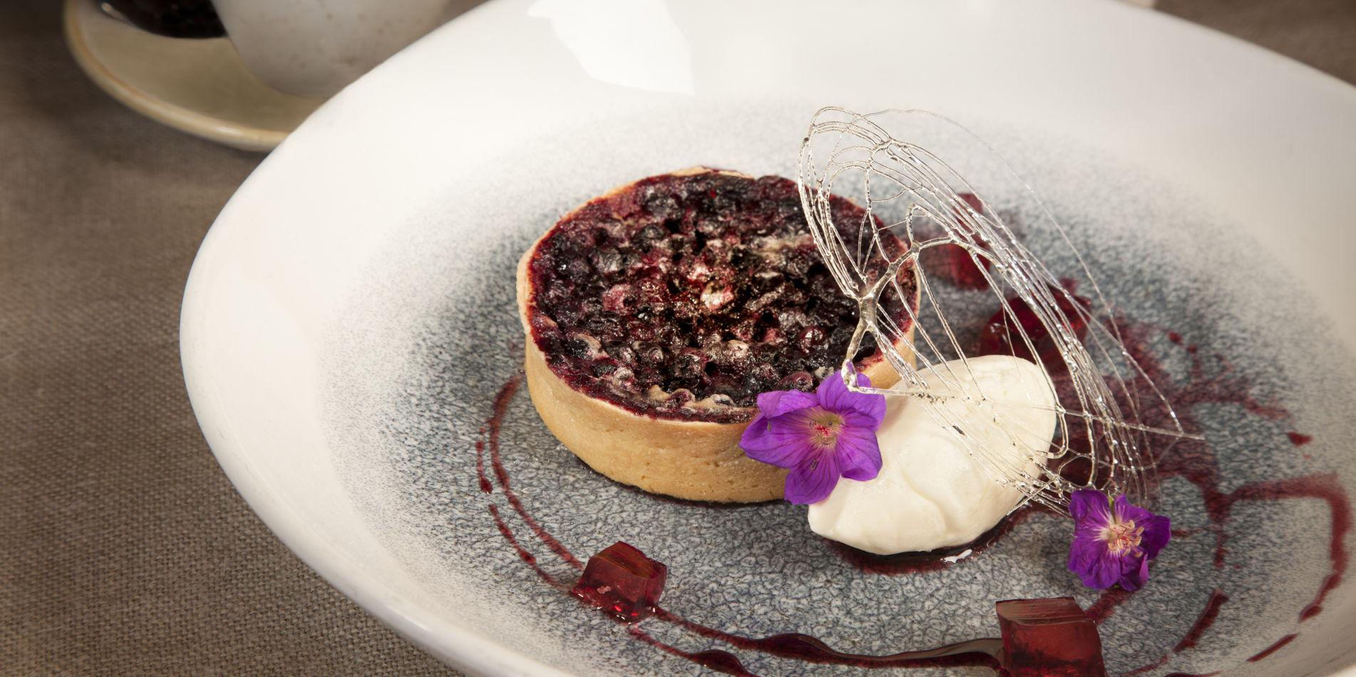 Carmel Valley Ranch_Dining_Dessert_Berry_Tart_BM