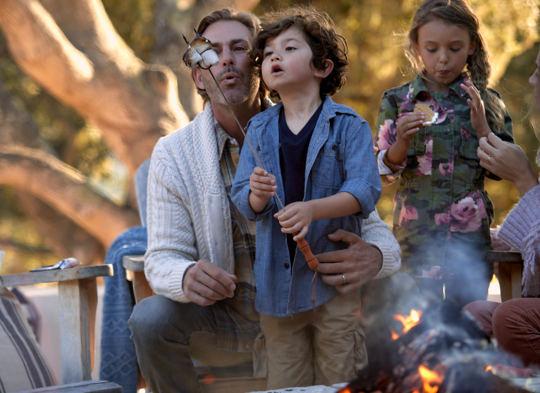 Carmel Valley Ranch_Lifestyle_Campfire_Smores_family_3806-V2_GJ