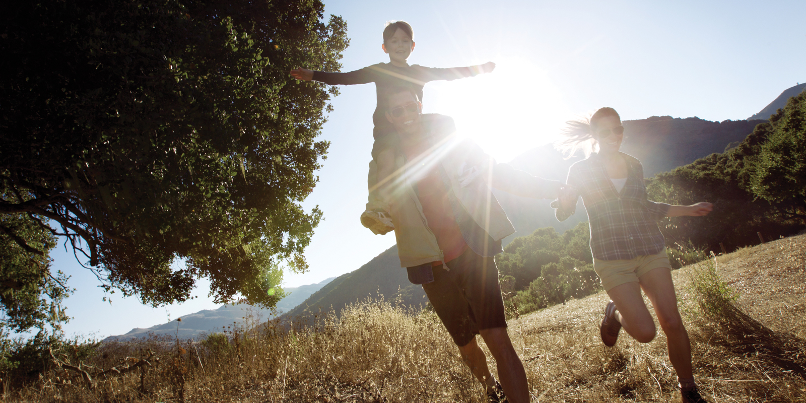 Carmel Valley Ranch_Lifestyle_Hike_family hiking