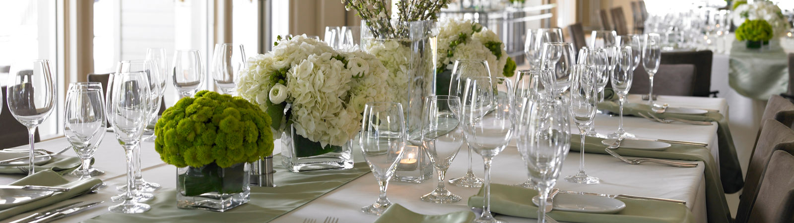 Carmel Valley Ranch_Weddings_table setting in Redwood ballroom
