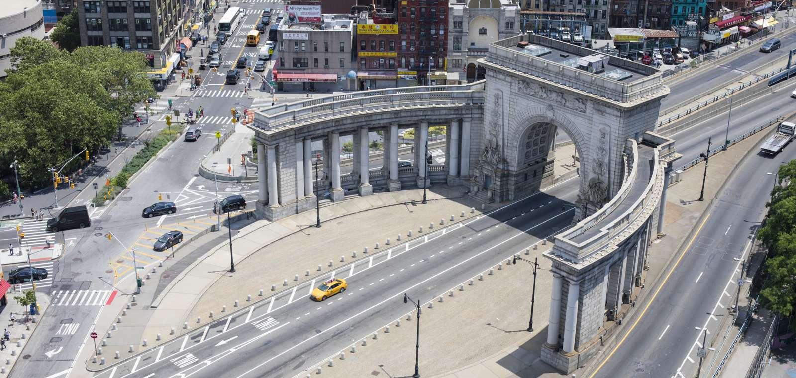 Manhattan Bridge Arch and Colonnade