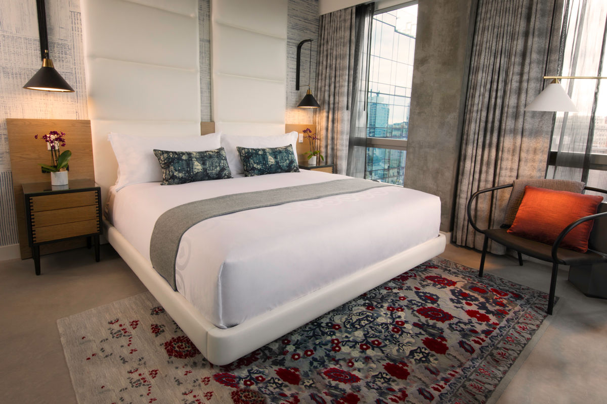 Hotel Suite With Queen Bed