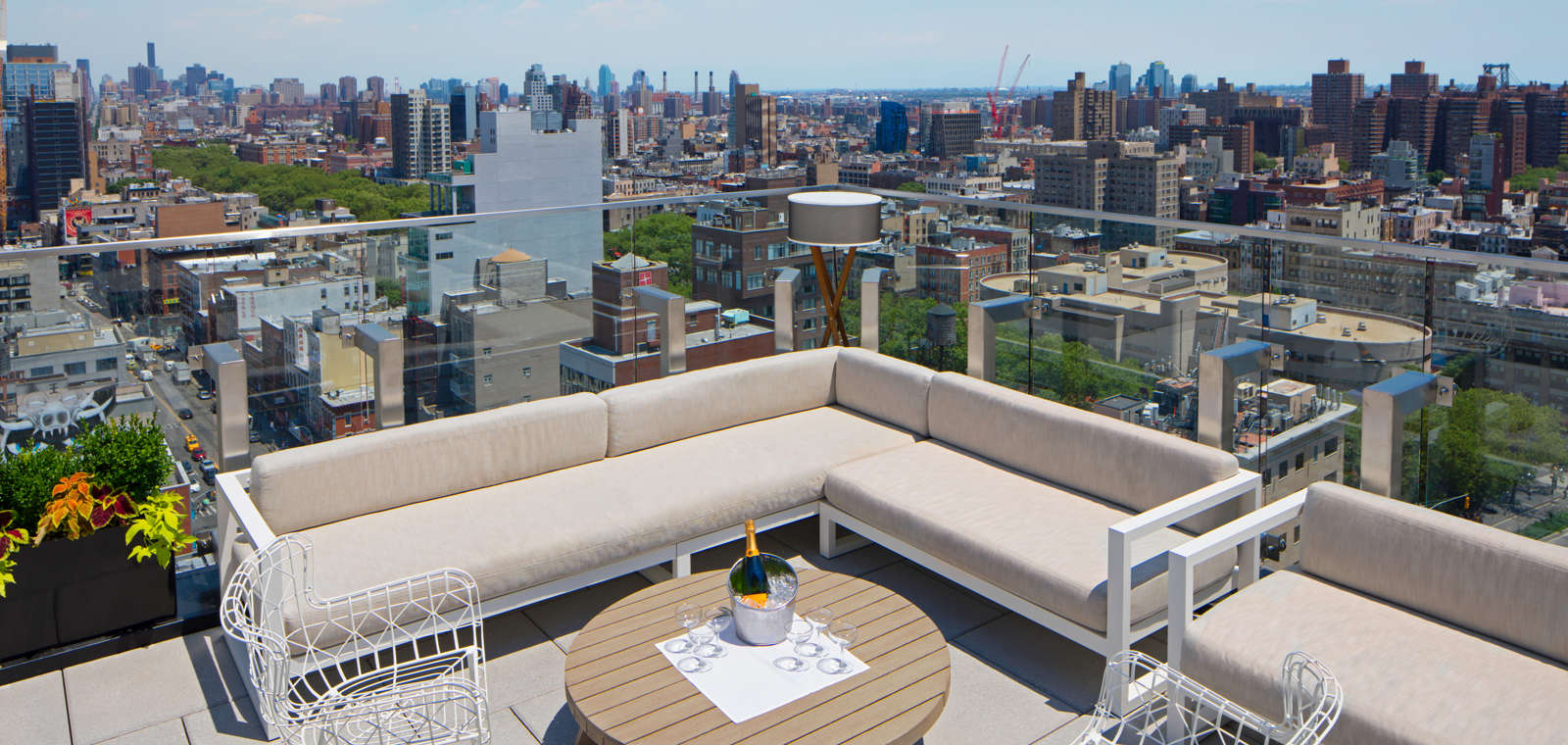50bowery_terracetable_Rooftop