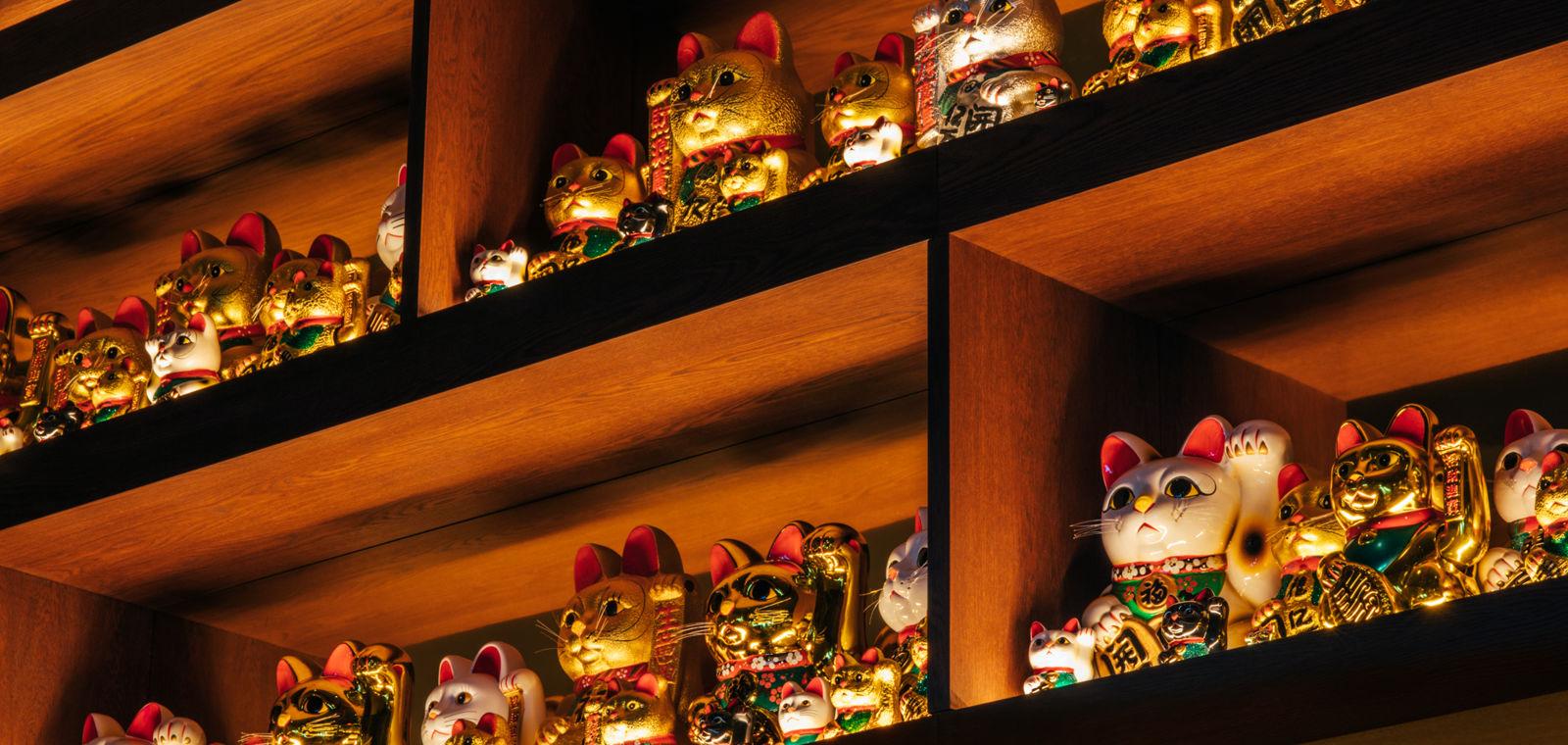 Maneki-Neko Lucky Cat Figurines