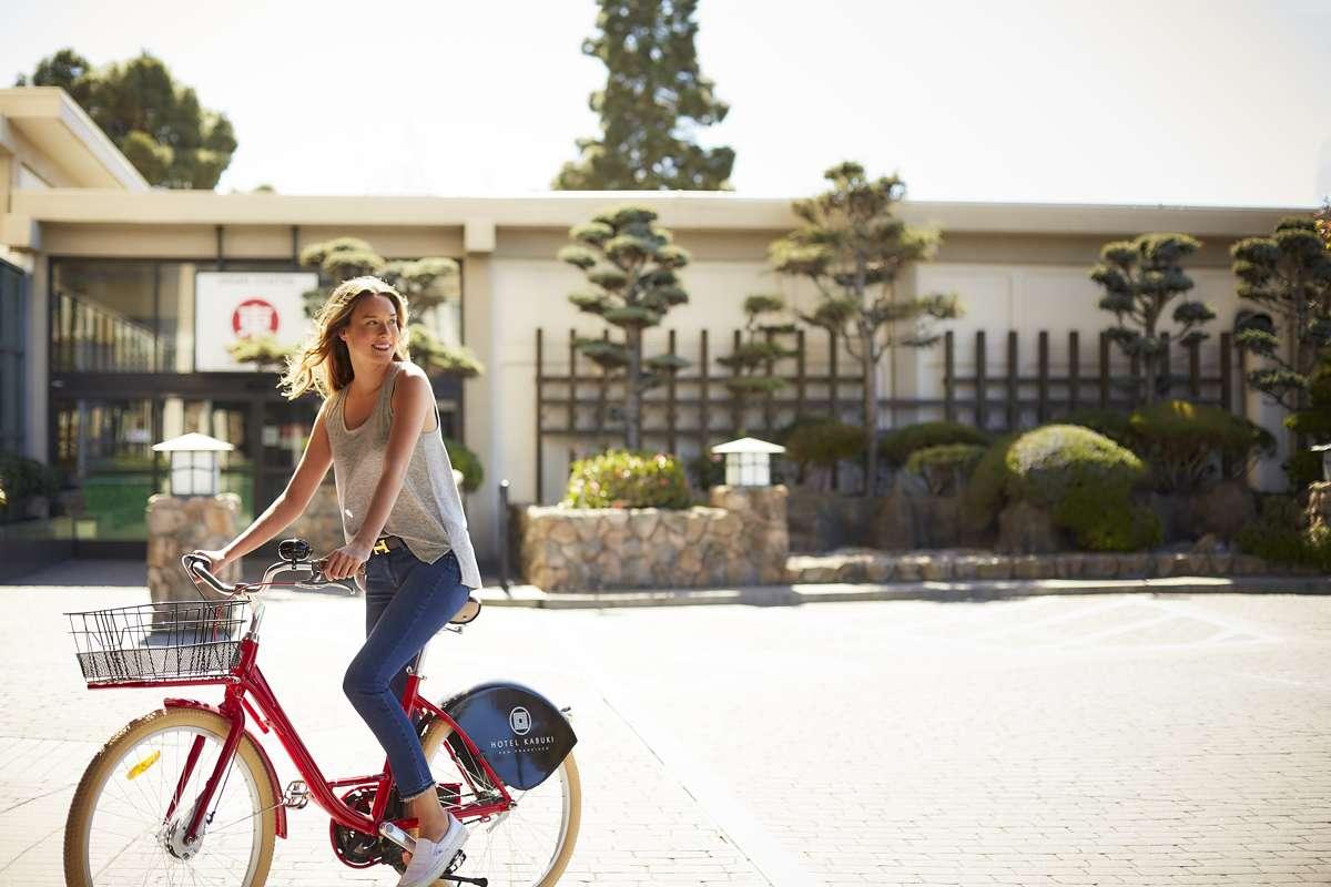 HotelKabuki_Activities_Bike1_Lifestyle