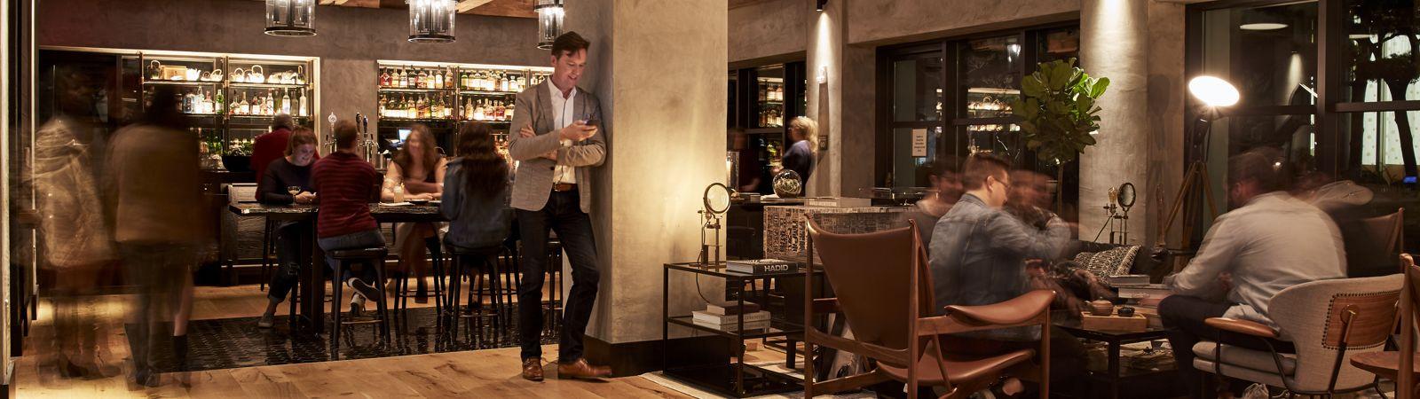 HotelKabuki_Lobby_Bar_Evening1_Hero_Lifestyle