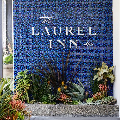 Laurel Inn_Exterior_Entrance