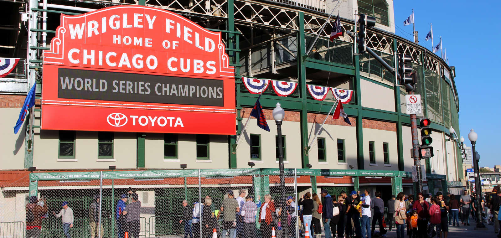 Hotel Lincoln_Wrigley_Cubs World Series Sign Left