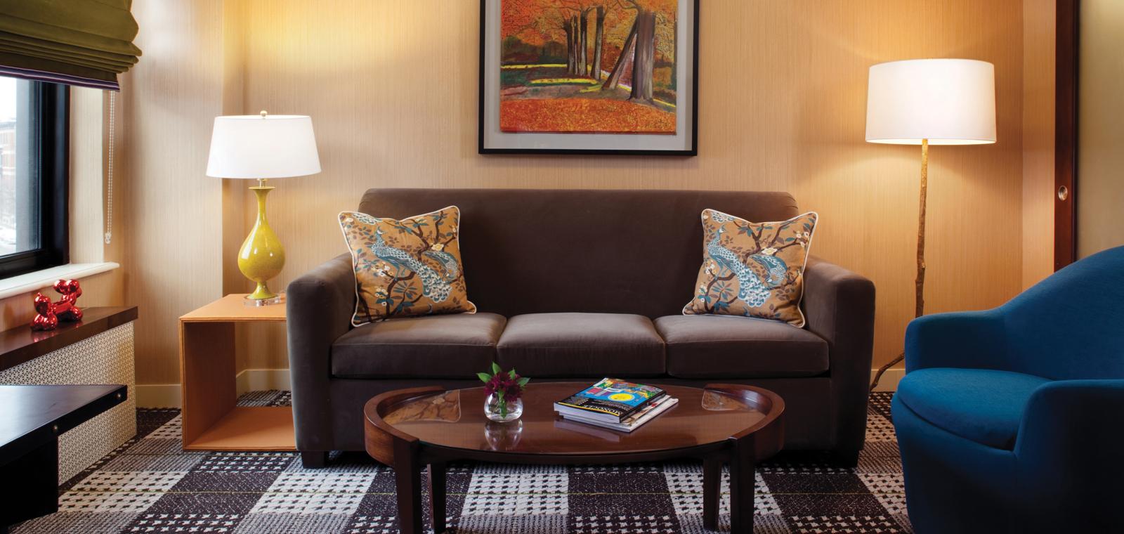 Lincoln Guestroom Suite 02 PR PD0312