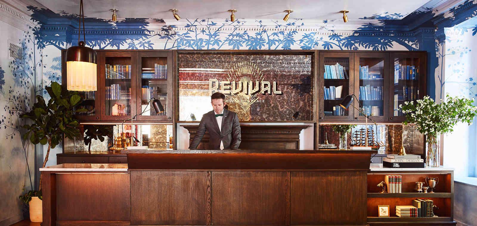 HotelRevival_Lobby_FrontDesk