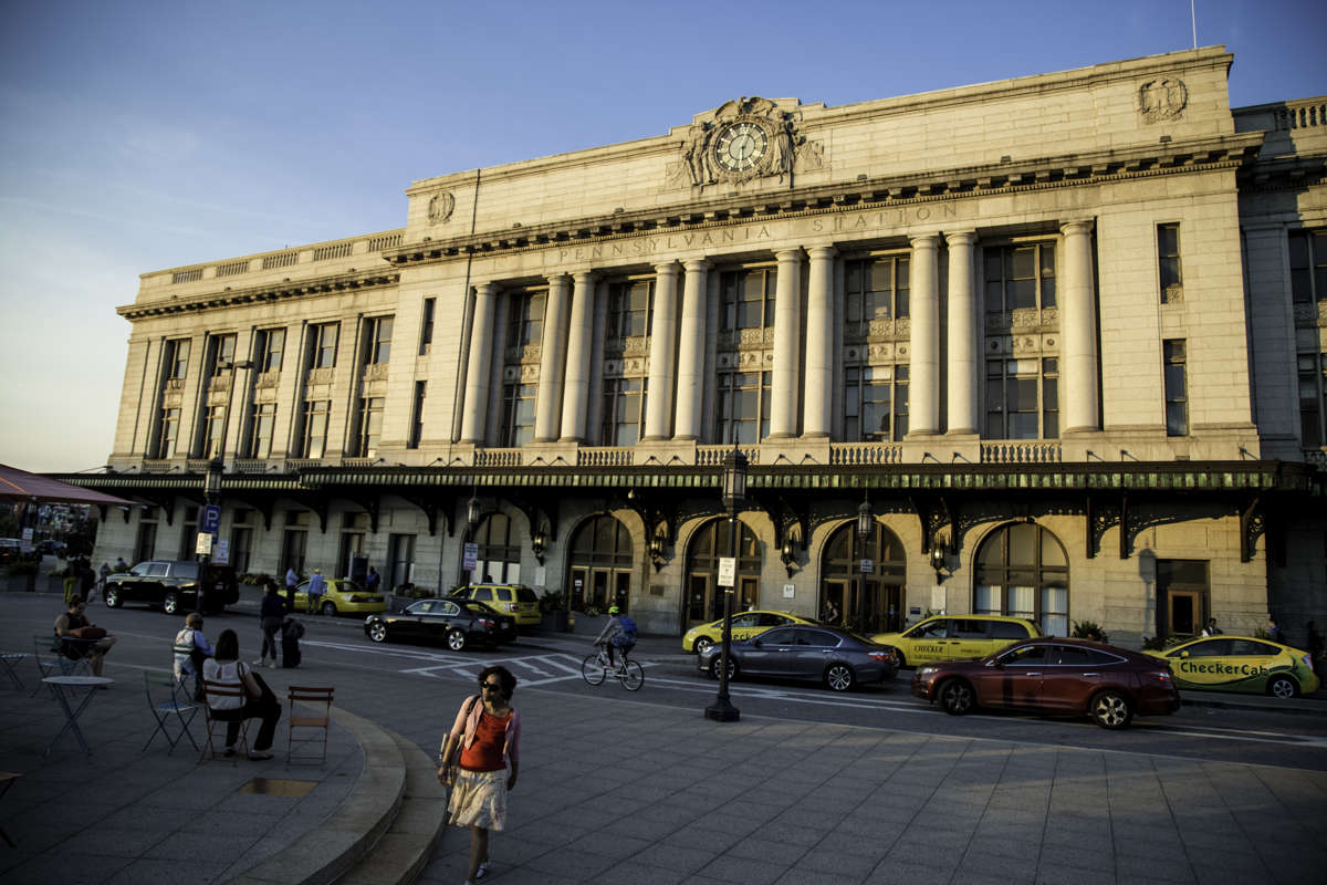 Hotel Revival is half a mile from Baltimore Penn Station
