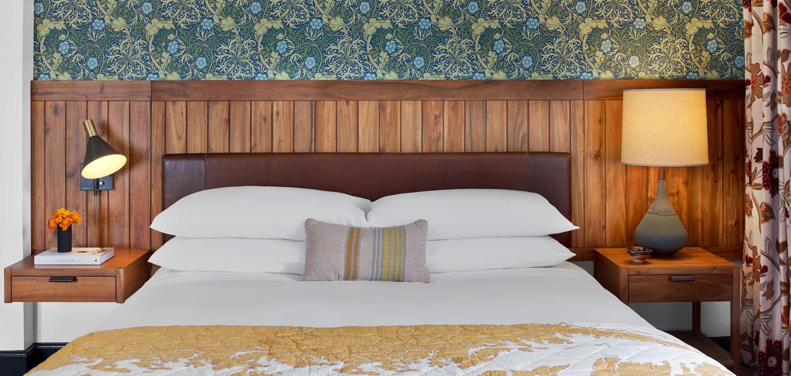 Revival_GuestRooms_Standard King Bed