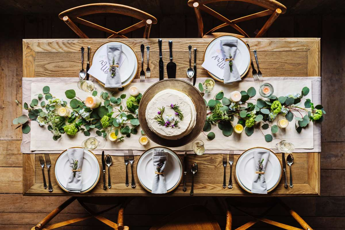 Table Setting With Cake
