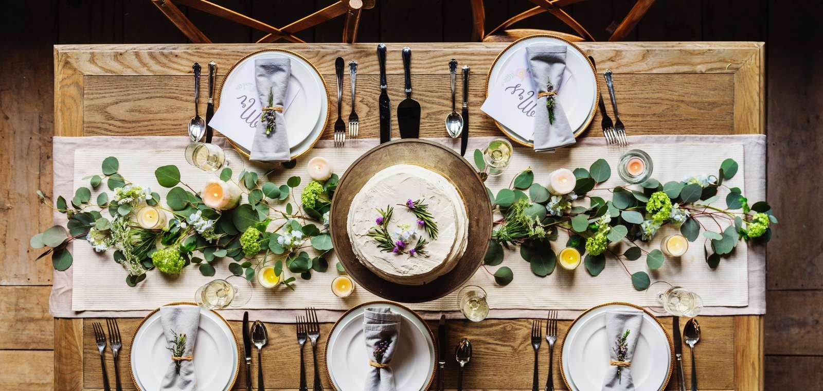 Stock photo of Garden Room table in Topside