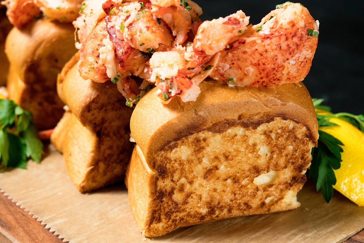 Talbott_Dining_20 East_Lobster Sliders