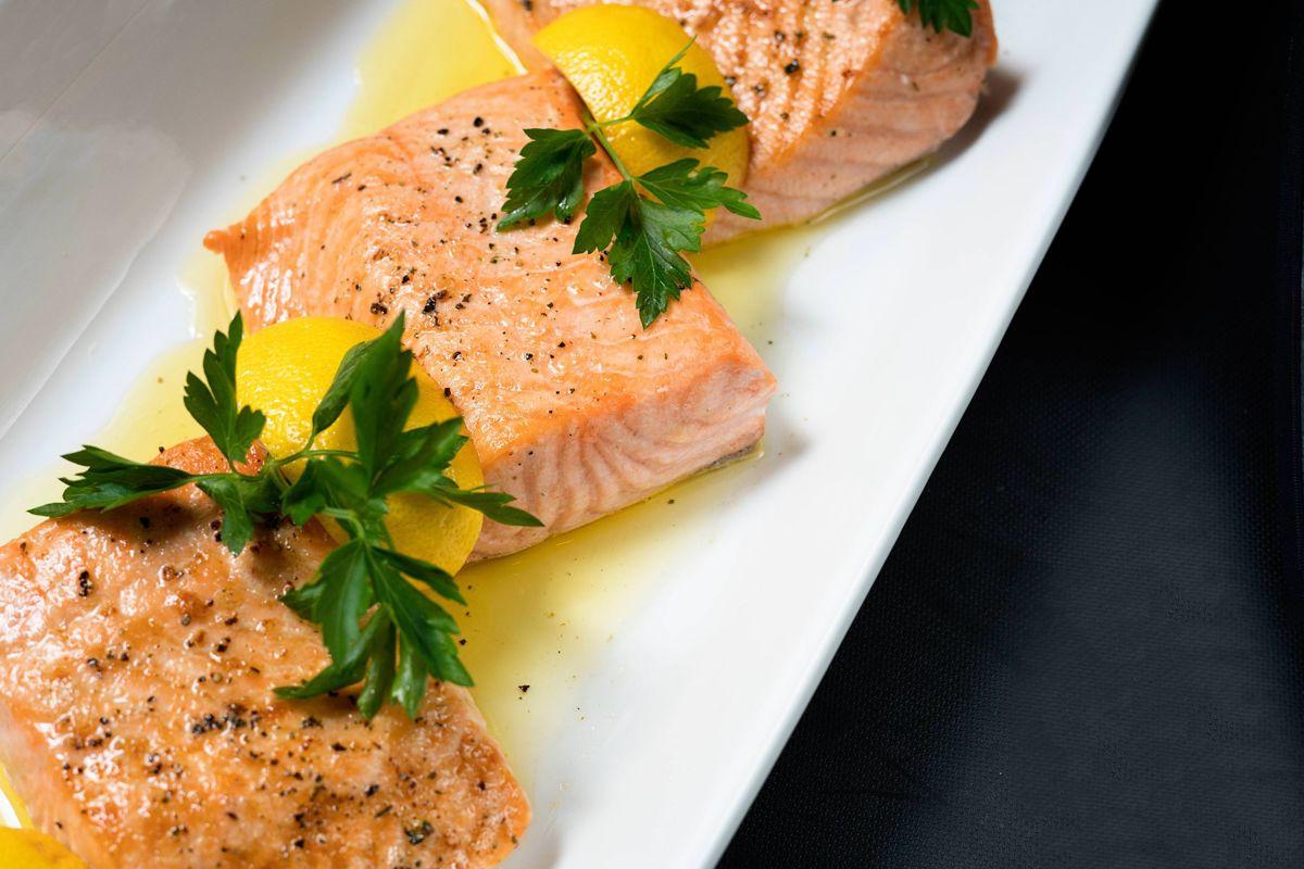 Talbott_Dining_20 East_Salmon