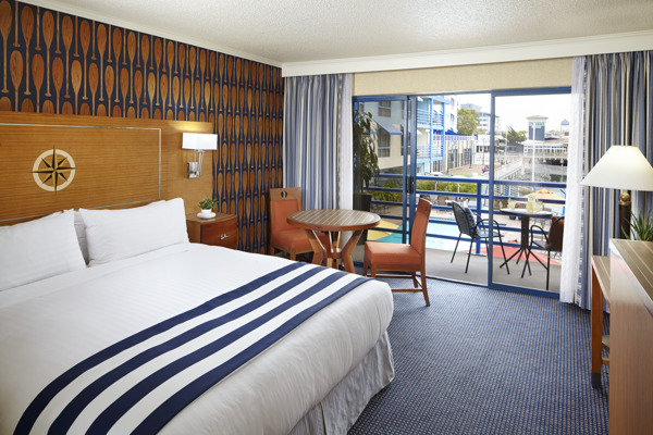 Waterfront Guestroom Standard King RB0814
