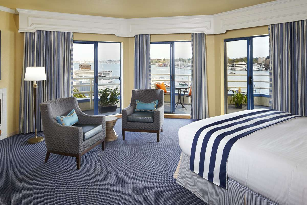 Waterfront Guestroom Suite View 01 RB0814