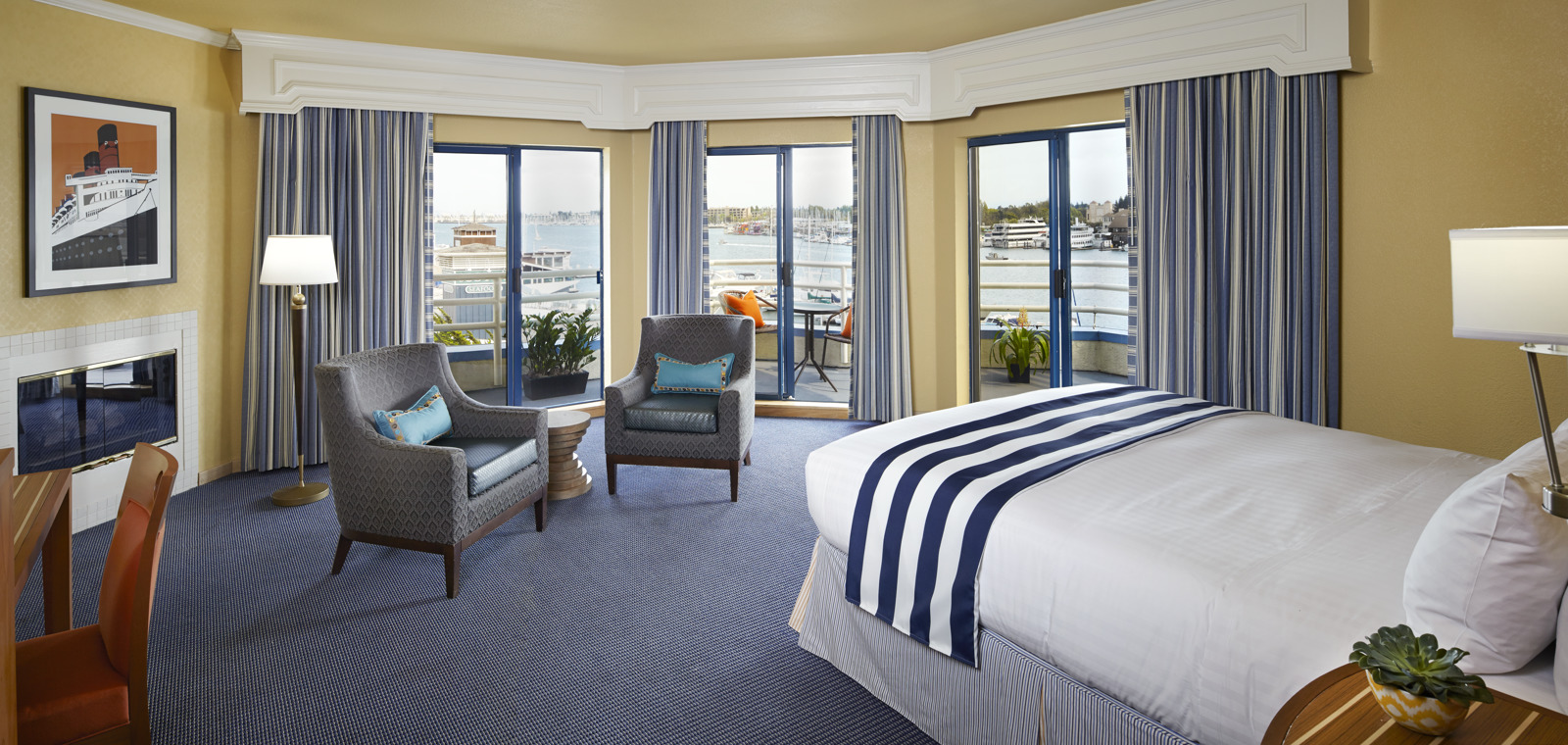 Waterfront Guestroom Suite View 02 RB0814