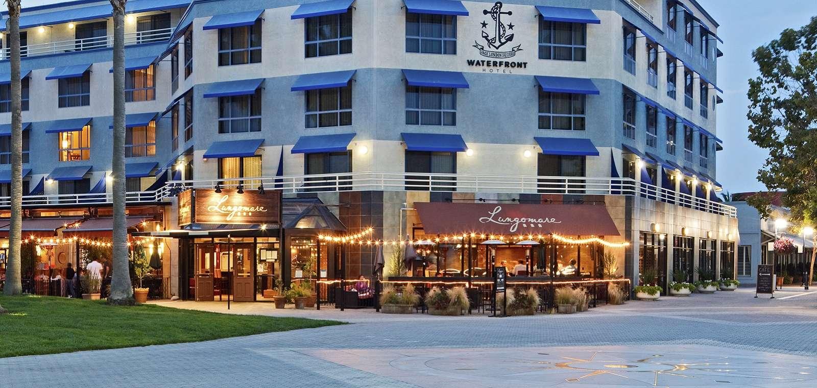 Waterfront_Exterior_Lungomare