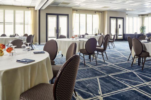 Waterfront-Hotel-Regatta-Ballroom