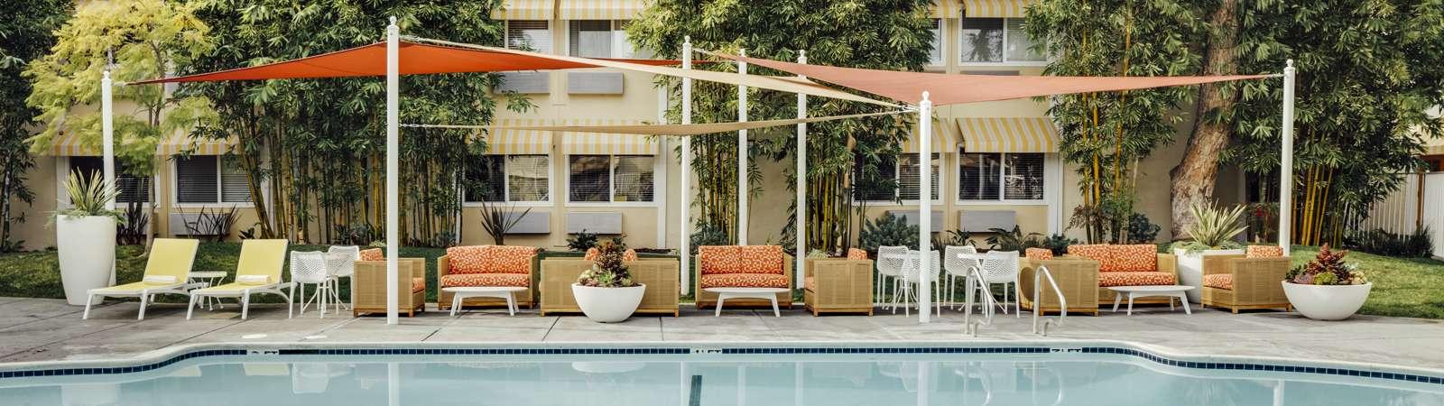 Wild Palms Pool 03 CS